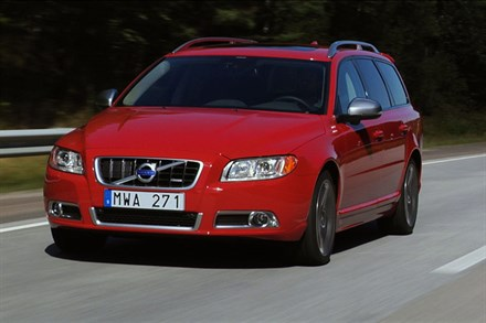 Volvo V70, model year 2013, driving footage (2:04)
