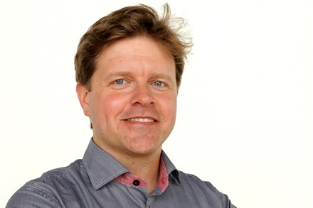 Volvo Car Corporation signs Memorandum of Understanding for implementation of communication between cars