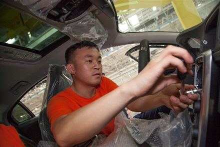 About the Volvo Cars manufacturing plant in Chengdu - C-Roll