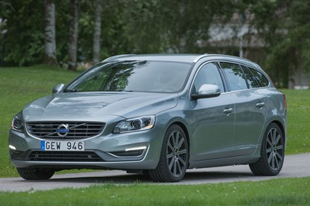 Volvo V60, model year 2014, driving footage