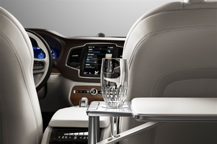 Information presse communiqu s site m dia volvo car france for Interieur xc90