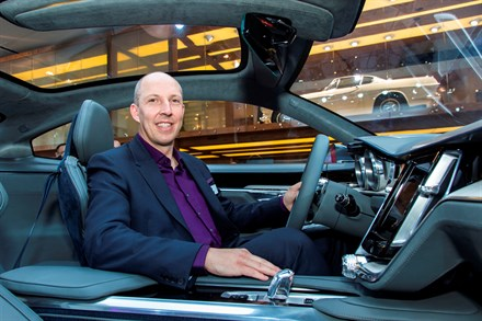 Robin Page van Volvo Cars verkozen tot Designer of the Year op Automotive Interiors Expo 2015