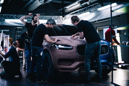 Volvo Cars honours diverse workforce in new XC60 campaign - behind the scenes