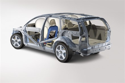 Volvo Cars prioritizes protection against neck injuries in frontal collisions