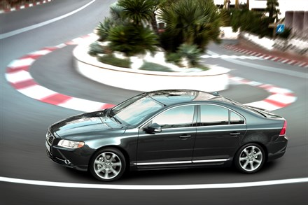 The refreshed Volvo S80 - first class exclusiveness and driving properties