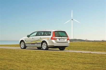 Volvo Car Corporation will introduce plug-in hybrids on the market in 2012