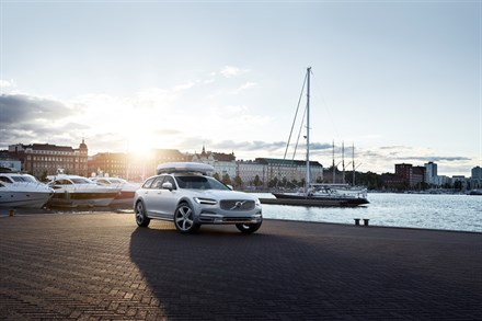 Volvo Cars celebrates start of Volvo Ocean Race and supports fight against ocean plastics with special V90 Cross Country