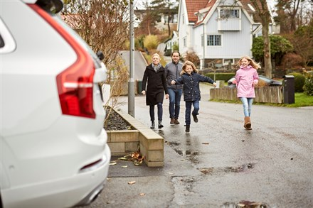 Swedish families help Volvo Cars develop autonomous drive cars - A-roll