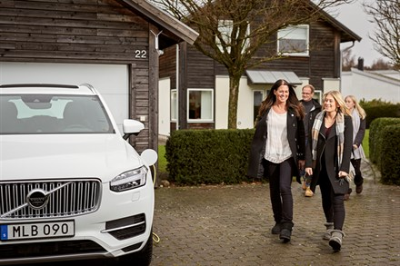 Swedish families help Volvo Cars develop autonomous drive cars - B-roll, Hain family