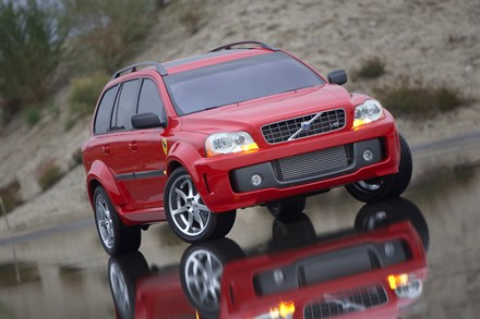 Volvo Xc90 V8 Power Utility Vehicle Debuts At 2004 Specialty