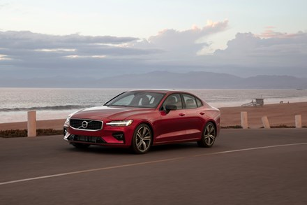 Volvo Cars to impose 180 kph speed limit on all cars to highlight dangers of speeding
