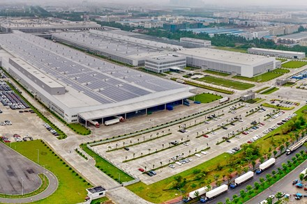 Volvo Cars starts Chinese production of XC40 small SUV in multi-brand Luqiao plant