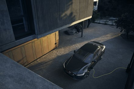 Volvo Cars reports global sales of 31,760 cars in April, returns to growth in China
