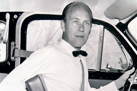 Volvo Cars Promotes Seat Belt Safety