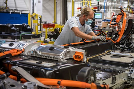 Volvo Cars to triple electric production capacity in Ghent after strong year of electrified car sales