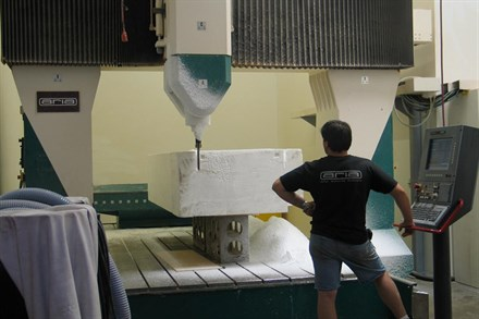 Volvo builds gravity car with safety and beauty in mind!