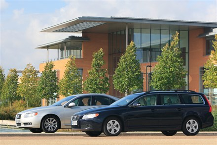 VOLVO LAUNCHES THE WORLD'S FIRST LARGE PREMIUM EXECUTIVE CARS UNDER 120 G/KM - THE NEW 119 G/KM DRIVe VERSIONS OF THE VOLVO S80 AND V70