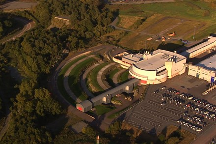 Volvo Cars Safety Centre – crash tests