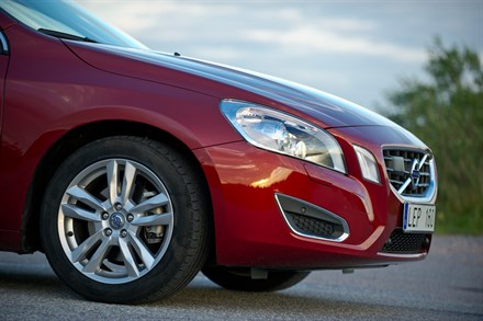 Volvo Car Corporation reinforces efficiency leadership in MY2013