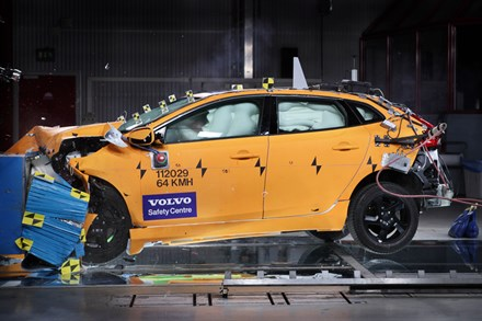 The all-new Volvo V40 – Safety & Support: The most IntelliSafe Volvo model ever