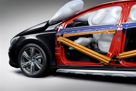 Volvo Car Corporation still leads airbag development after 25 life-saving years