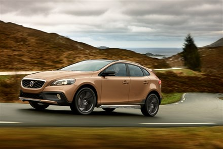 Volvo Car Corporation launches V40 Cross Country: Capable and expressive all-roader