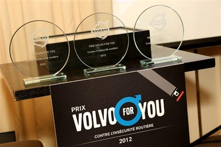 VOLVO AUTOMOBILES FRANCE A RECOMPENSE LES LAUREATS DE LA PREMIERE EDITION DU PRIX VOLVO FOR YOU CONTRE L'INSECURITE ROUTIERE