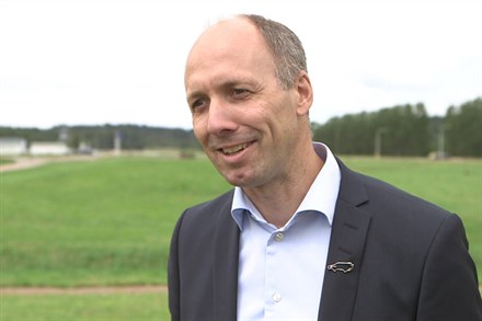 Volvo Cars reveals world-class safety and support features - B-roll interviews video still