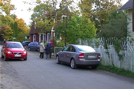 Volvo Cars celebrates at Champs-Elysées: New dynamic Volvo models behind record sales in France