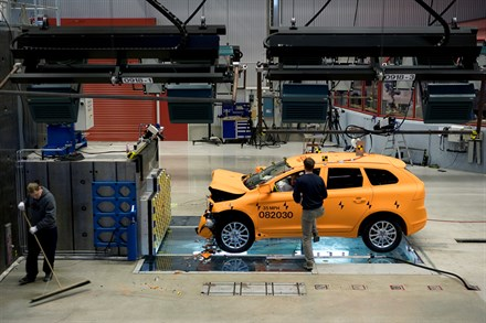 VOLVO CARS CRASH-TEST LABORATORY CELEBRATES ITS 10 YEAR ANNIVERSARY