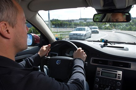 New Volvo safety technology reduces the risk of motorway rear-end impacts by up to 42 percent