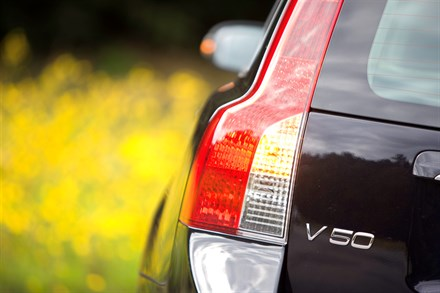Volvo V50 offers simplified trim levels for 2010