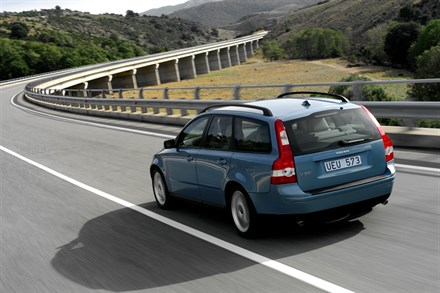 Volvo Overseas Delivery Continues to Outpace the Competition - 2005 year-to-date sales up nearly 30 percent; 2004 a record-breaking year
