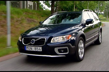 Volvo XC70, model year 2011, driving footage - Video Still
