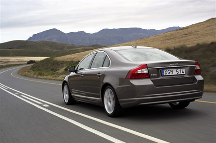 Volvo Car Corporation global sales up by 8.5 percent in first quarter of 2007. Strong start for the all-new S80.