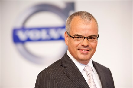 Volvo Car Corporation records a profit and increased sales for second quarter but expects a volatile second half of 2011